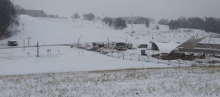 Slidininkai gali ruošti slides ir snieglentes – Jonavoje atidaromas slidinėjimo centras