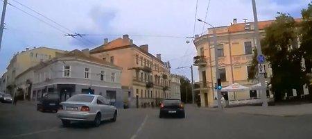 Smagūs BMW manevrai Vilniaus centre