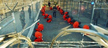 Keturi Gvantanamo kalėjime laikyti asmenys išsiųsti namo