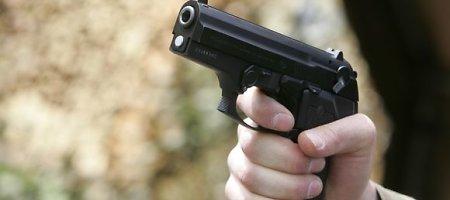 Atsisakęs parduoti degalų Rusijos vilkiko vairuotojas Vilniuje prieš save išvydo ginklą