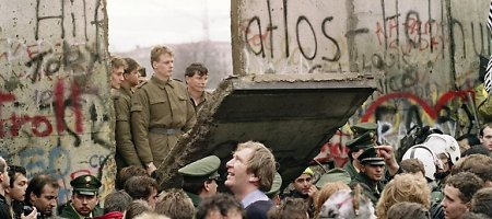 Berlyno sienos griuvimas vokiečiams kainavo 2 trln. eurų