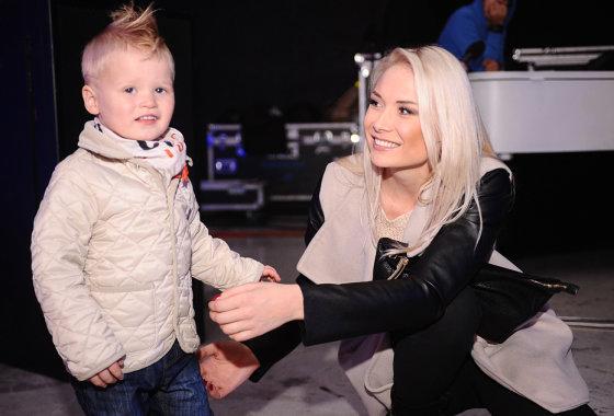 Luko Balandžio/Žmonės.lt nuotr./Natalija Bunkė su sūnumi Kristupu
