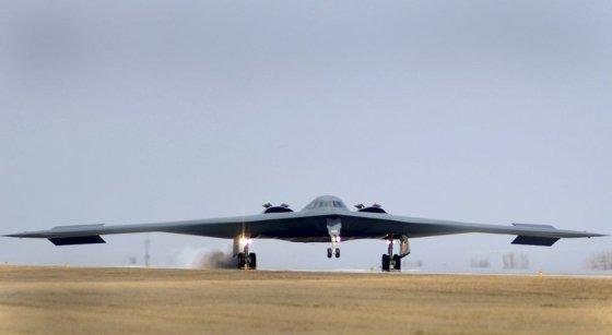 """""""Reuters""""/""""Scanpix"""" nuotr./JAV bombonešis B-2"""