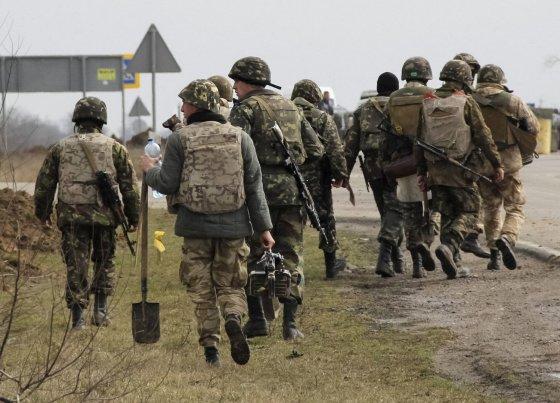 """""""Reuters""""/""""Scanpix"""" nuotr./Ukrainos kariai prie Krymo sienos"""