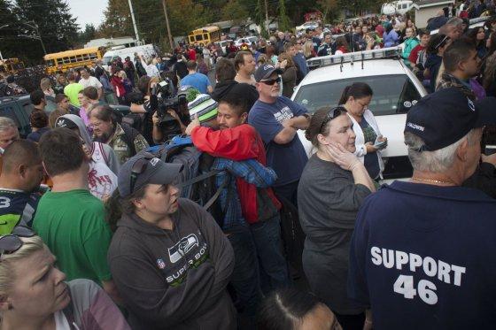 """AFP/""""Scanpix"""" nuotr./JAV Vašingtono valstijos mokykloje įvykdytas ginkluotas išpuolis."""