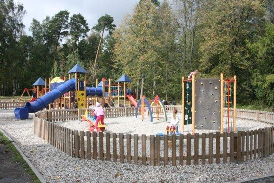 Aurelijos Kripaitės/15min.lt nuotr./Vaikų žaidimų aikštelė parke įruošta dar anksčiau