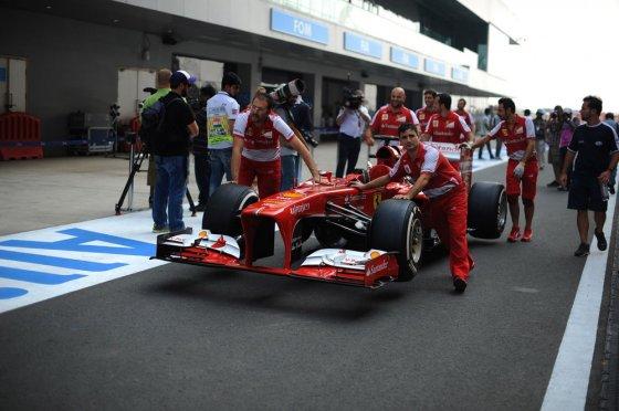"""""""Scanpix""""LaPresse"""" nuotr./Fernando Alonso bolidas """"Scuderia Ferrari F138"""""""