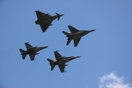 Antano Gedrimo nuotr./NATO oro policijos pasikeitimo ceremonija