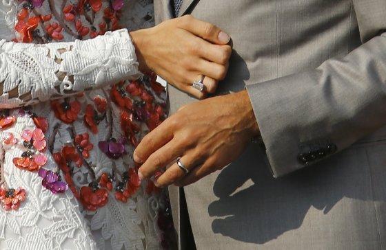 """Reuters""/""Scanpix"" nuotr./George'o Clooney ir Amal Alamuddin žiedai"