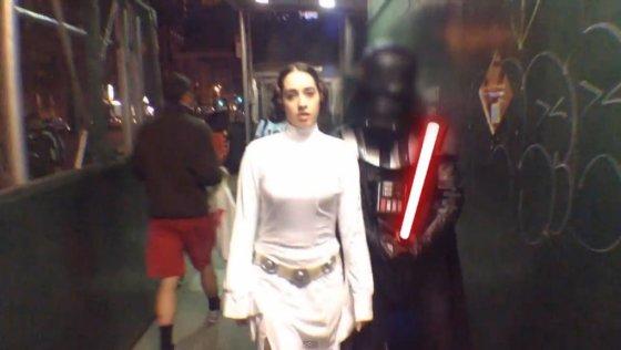 """Kadras iš vaizdo įrašo/Parodija """"Ką reiškia būti princese Lėja Niujorko gatvėse"""""""