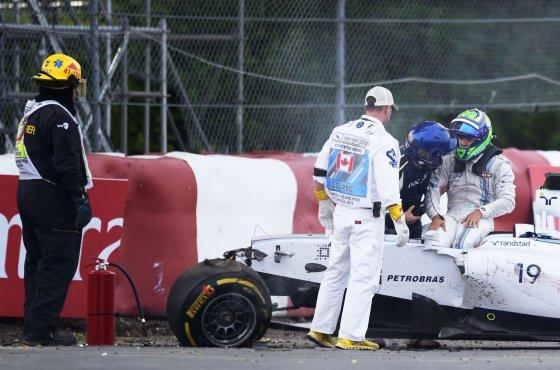 """""""Scanpix"""" nuotr./Felipe Massos ir Sergio Perezo avarija Kanados F-1 lenktynėse"""
