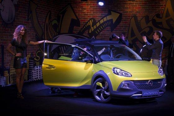 """Irmanto Gelūno/15min.lt nuotr./""""Opel Adam Rocks"""" pristatymas prieš Ženevos automobilių parodą"""