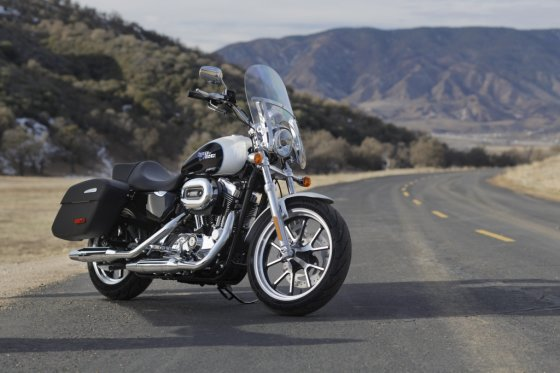 "Gamintojo nuotr./""Harley-Davidson SuperLow 1200T"""