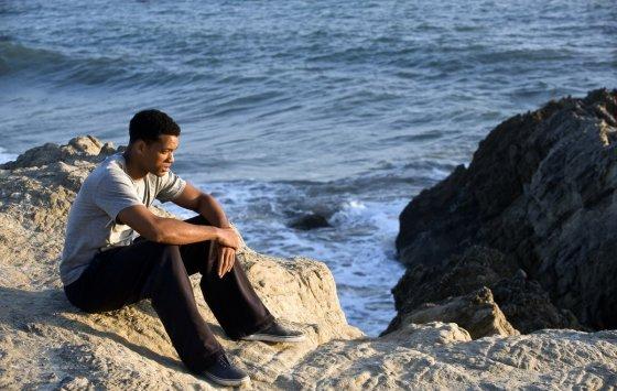 "Kadras iš filmo/""Septynios sielos"" (""Seven Pounds"", 2008, IMDb – 7,6)"