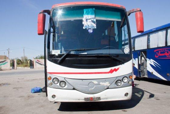 E.Visakavičiaus nuotr./Bašaro al Asado portretai puikavosi visoje prieškarinėje Sirijoje, taip pat ir ant autobusų
