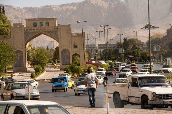 E.Visakavičiaus nuotr./Eismas Širaze. Iranas