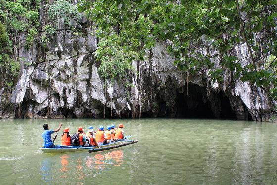 Wikimedia.org nuotr./Įplaukimas į požeminės upės urvus