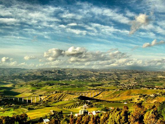 Wikimedia.org nuotr./Laukai vidury Sicilijos