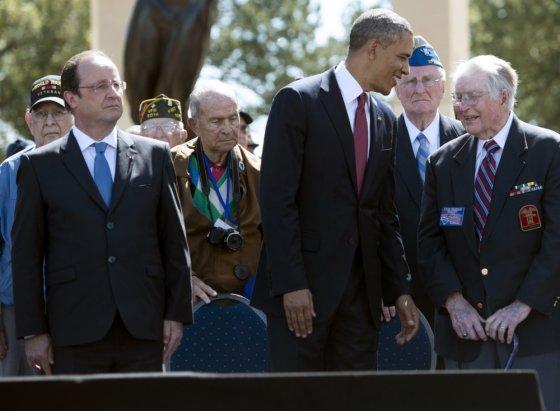 """""""Scanpix"""" nuotr./Barackas Obama, Francois Hollande\'as ir išsilaipinimo Normandijoje veteranai"""