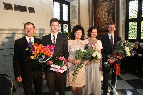 Teodoro Biliūno/Žmonės.lt nuotr./Irena Serapinienė su šeima