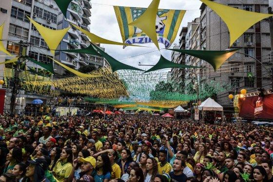 """AFP/""""Scanpix"""" nuotr./Brazilijos futbolo rinktinės gerbėjai"""