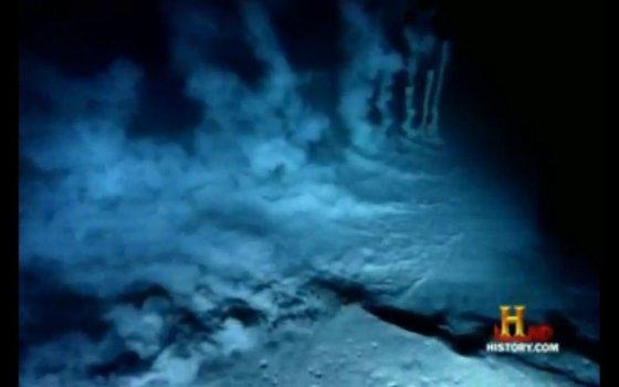 """Kadras iš """"YouTube"""" /Marianų lovys, kuriame mokslininkams pavyko aptikti gausybę mikroskopinių organizmų."""