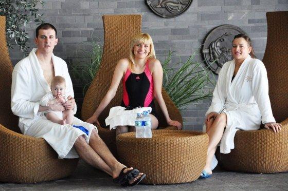 TV3 nuotr./Saulius Binevičius su dukra Izabele, Rugilė Binevičienė ir Vlada Musvydaitė