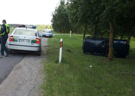 """Tomo Markelevičiaus nuotr./""""Land Rover"""" avarija"""