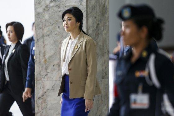 """Reuters""/""Scanpix"" nuotr./Nušalinta Tailando premjerė Yingluck Shinawatra"