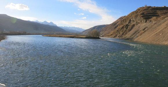 Nepalo kariuomenė pradėjo sausinti ežerą kalnuose