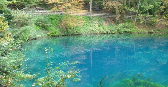Mėlyniausio Dunojaus intako vandenį spalvina rašalas, o saugo undinė
