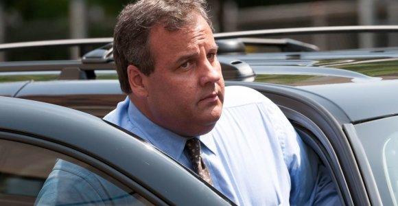 Naujojo Džersio gubernatorius Chrisas Christie traukiasi iš JAV prezidento rinkimų