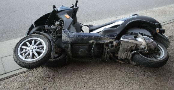 Kėdainių rajone partrenktas neblaivus motorolerio vairuotojas