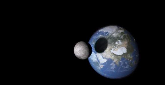 Kas būtų, jeigu Mėnulis atsitrenktų į Žemę?