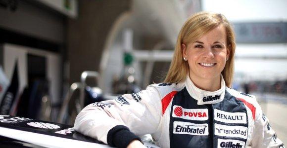 Bernie Ecclestone`as svarsto apie atskirą F-1 čempionatą moterims