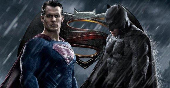 """Pristatytas naujas filmo """"Betmenas prieš Supermeną"""" anonsas"""