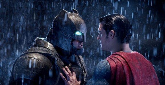 Benas Affleckas vėl vaidins Betmeną – šįkart filmą režisuos pats