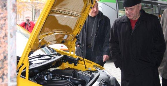 Gamtinėmis dujomis varomų automobilių žygis pasiekė Klaipėdą