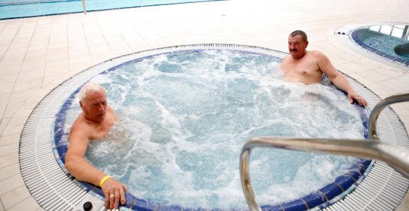 """Atsinaujinęs Kauno """"Girstučio"""" baseinas laukia lankytojų"""