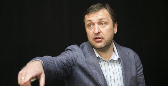 Atsisveikina su partija, bet europarlamentaro mandato atsisakyti nenori