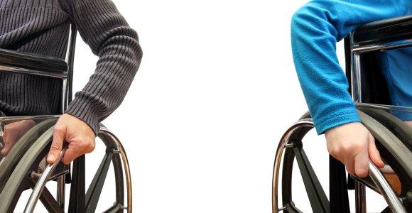 Judėjimo sutrikimų turintys žmonės vairavimo egzaminams bus rengiami nemokamai
