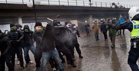 Švedijos pareigūnai suėmė 14 asmenų, planavusių išpuolį pabėgėlių centre