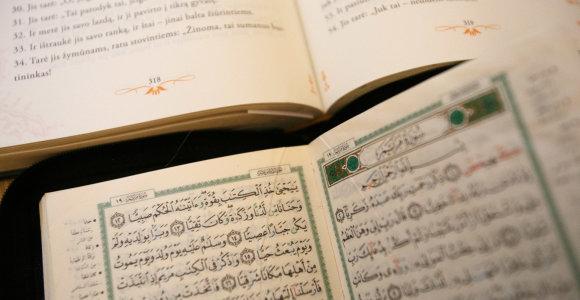 Turkija vers Koraną į lietuvių kalbą, poeto Sigito Gedos vertimu Lietuvos musulmonai nebuvo patenkinti