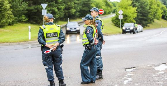 """Telšių policija ieško pėsčiąją kliudžiusio """"Toyota"""" vairuotojo"""