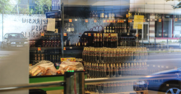 Seime – svarstymas išguiti alkoholį iš prekybos centrų