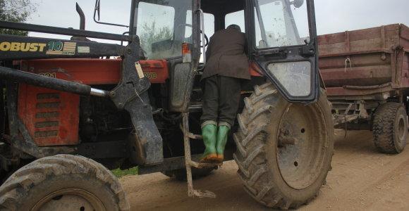 Biržų rajone traktorius pervažiavo žmogų