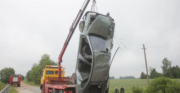 Saugus metas Lietuvos keliuose baigėsi: per savaitę žuvo 3 vairuotojai