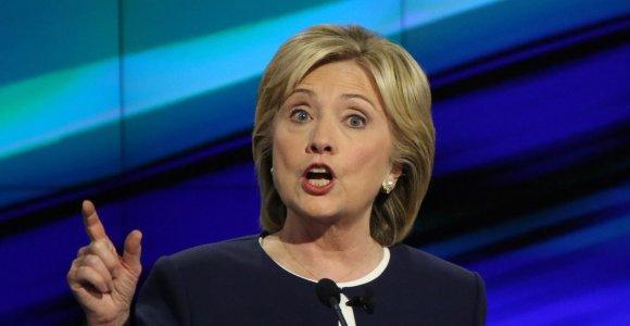 Hillary Clinton slysta ant pinigų: milijonai dolerių – už apmokėtas kalbas