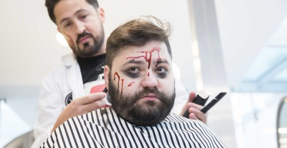 Rafailas Karpis ryžosi nusiskusti barzdą: liejosi kraujas ir emocijos