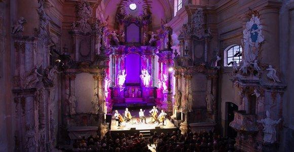 Vytauto Kernagio atminimo koncerte prisiminta ir pirmoji jo meilė
